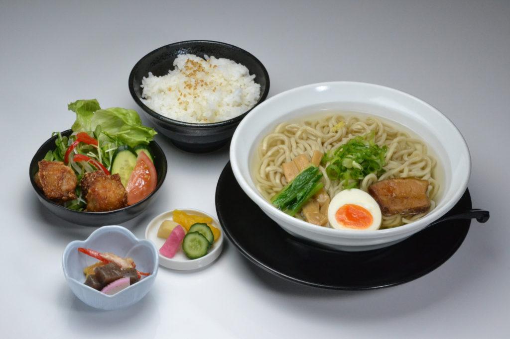 jr茨木のラーメン・つけ麺「自家製麺・らーめん屋一心」ラーメン定食