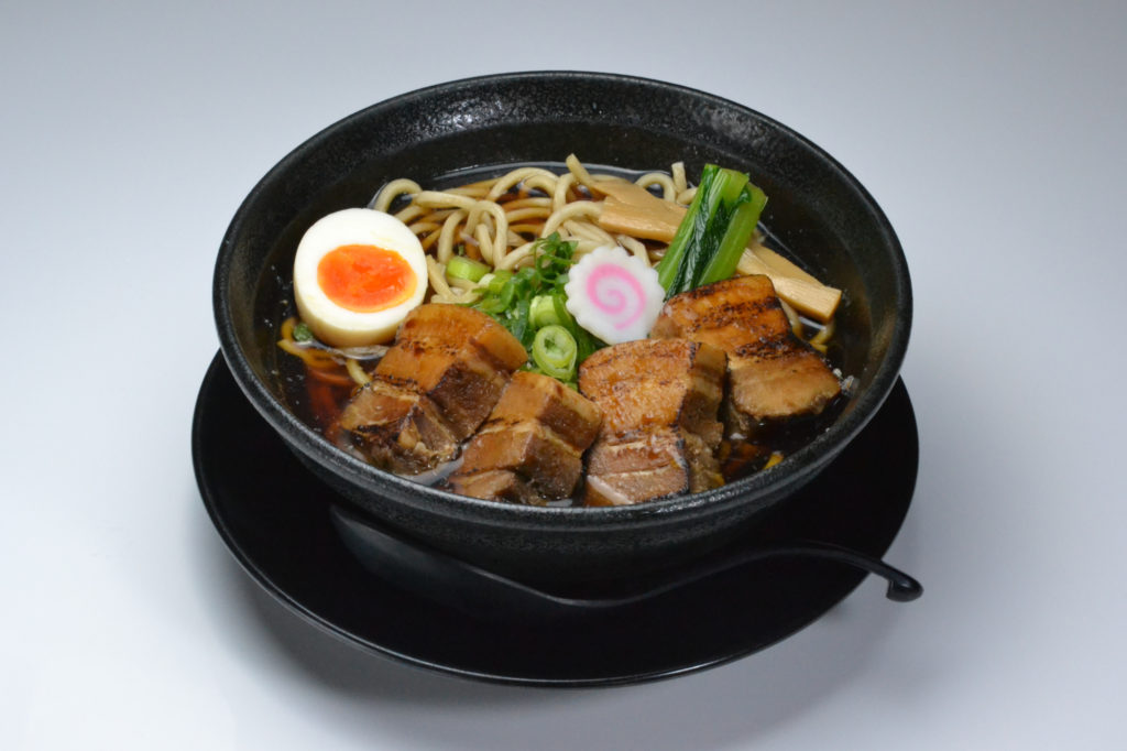 jr茨木のラーメン・つけ麺「自家製麺・らーめん屋一心」厚切りチャーシュー麺